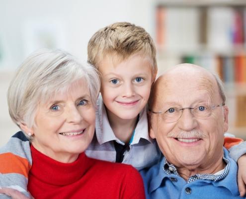 Schaubild Großeltern mit Enkel